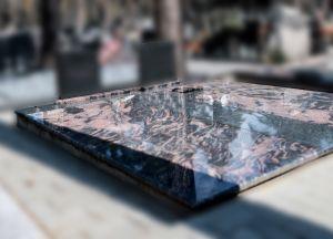 Antkapis iš skirtingų spalvų granitų (5)