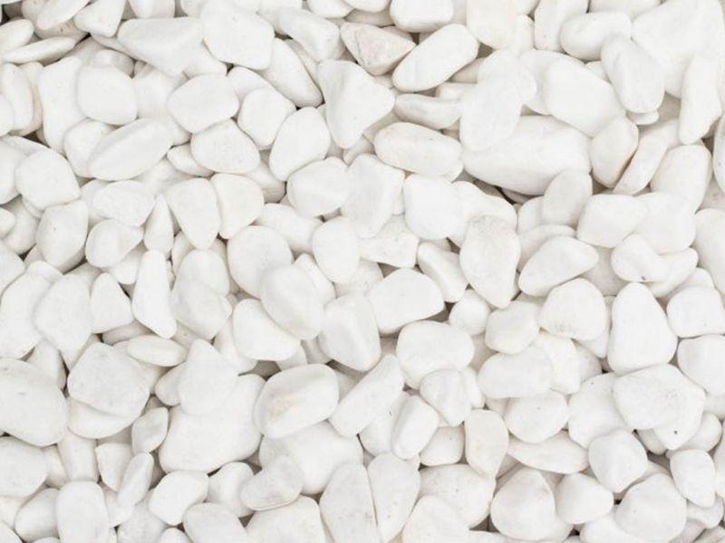 Balti gludinti akmenukai (GA003)