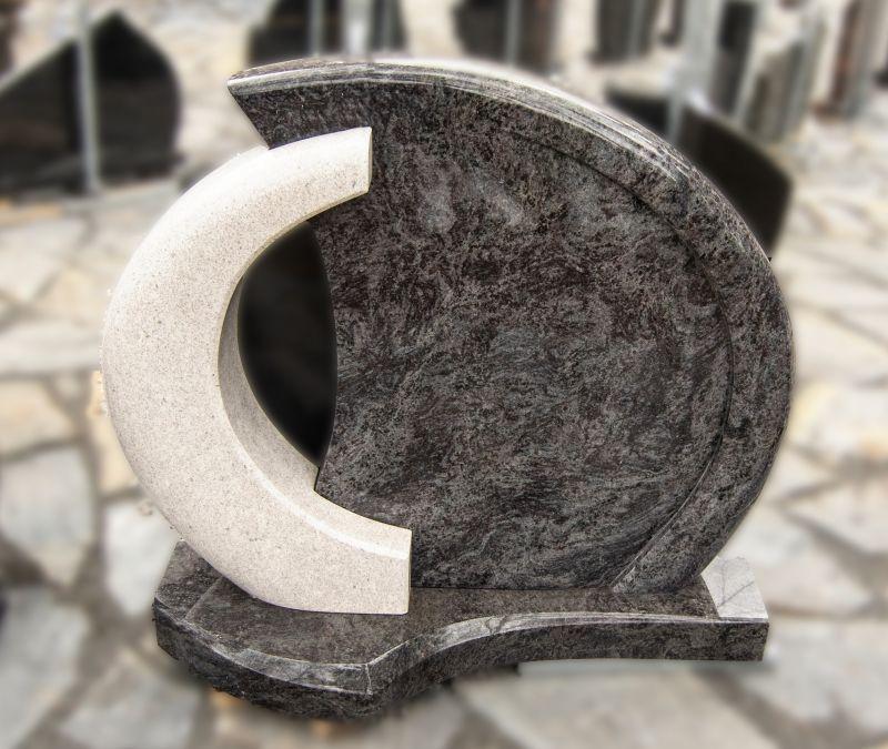 Dviejų dalių paminklas iš pilko ir balto akmens (KUL4)