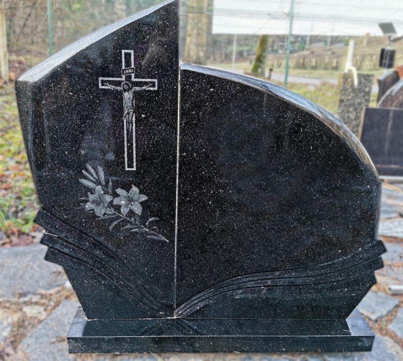 Juodas dviejų detalių paminklas (KEL15)