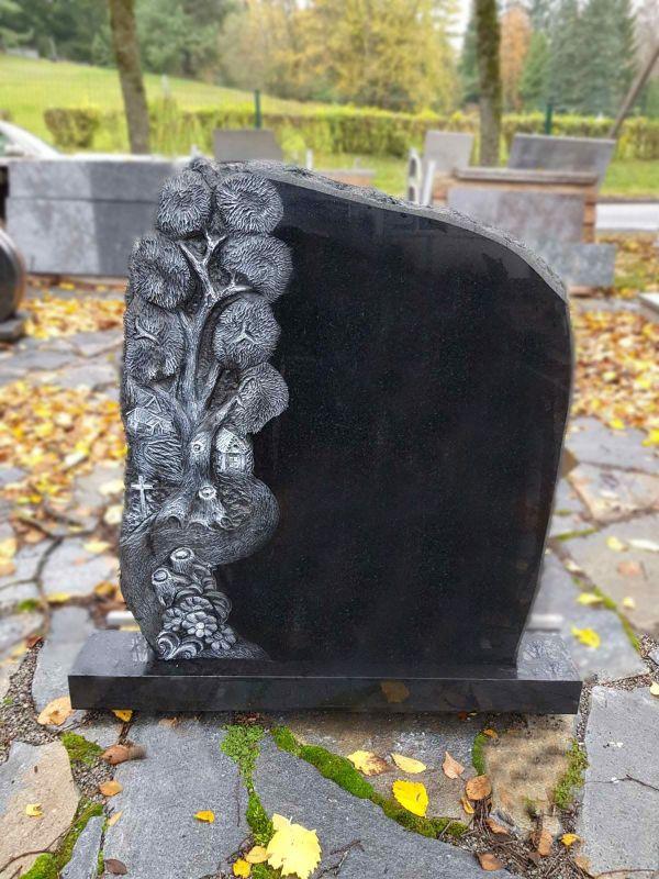 Juodo granito paminklas su medžio motyvu (KUL47)