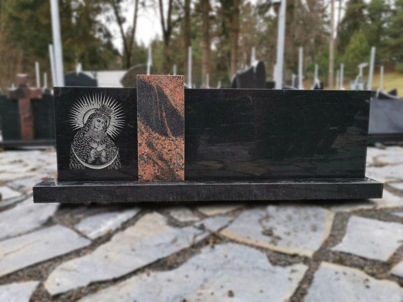 Juodo ir rusvo granito paminklas (VPM33)