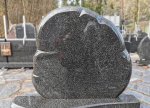 Kareliško juodo granito paminkals (KUL27)