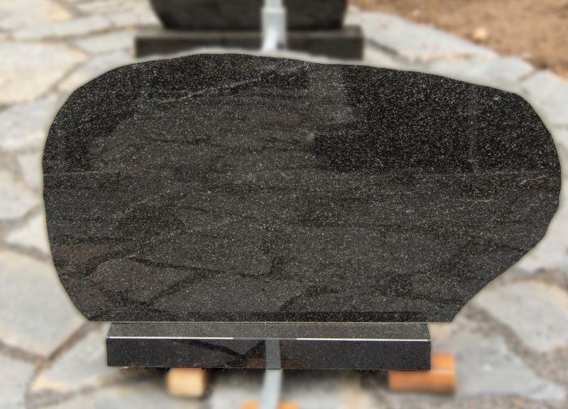 Ovalus tamsiai pilko granito paminklas (VPM10)