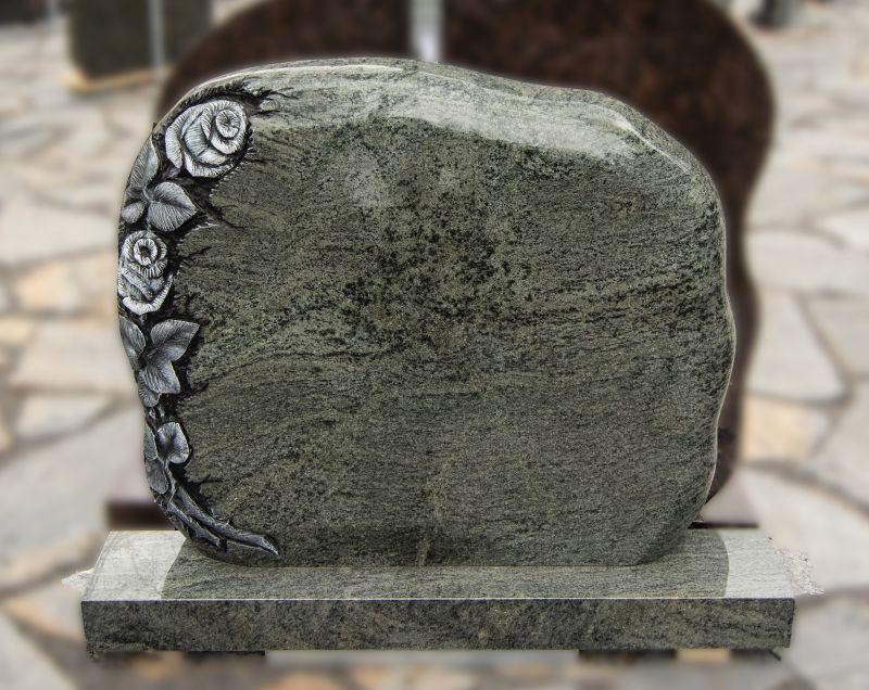 Rožėmis graviruotas pilko akmens paminklas (KUL14)