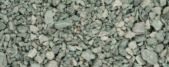 kapo puosimas akmens skalda