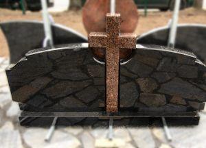 Trijų dalių paminklas su kryžiumi (KUL1)